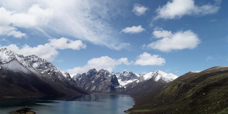 Galeria: paisagem da Montanha Nianbaoyuze em Qinghai, noroeste da China