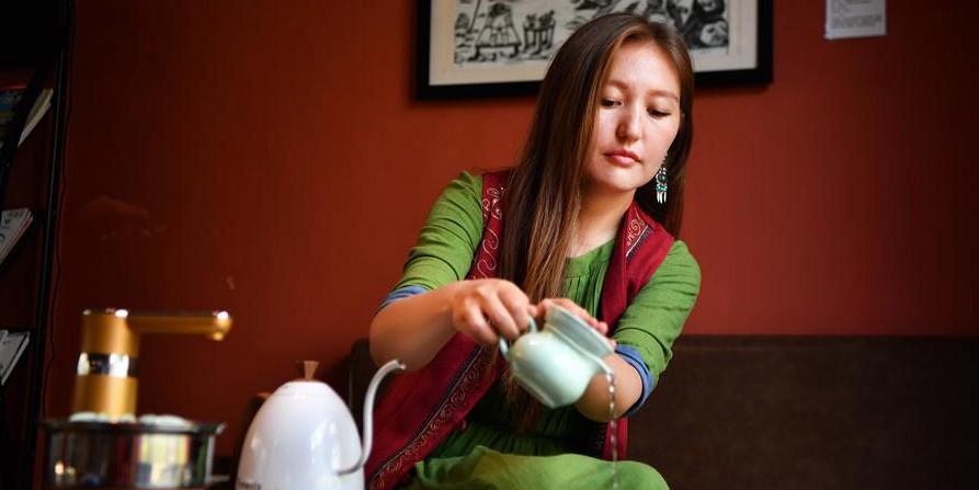 Galeria: estudante quirguiz experimenta cultura chinesa em Hainan