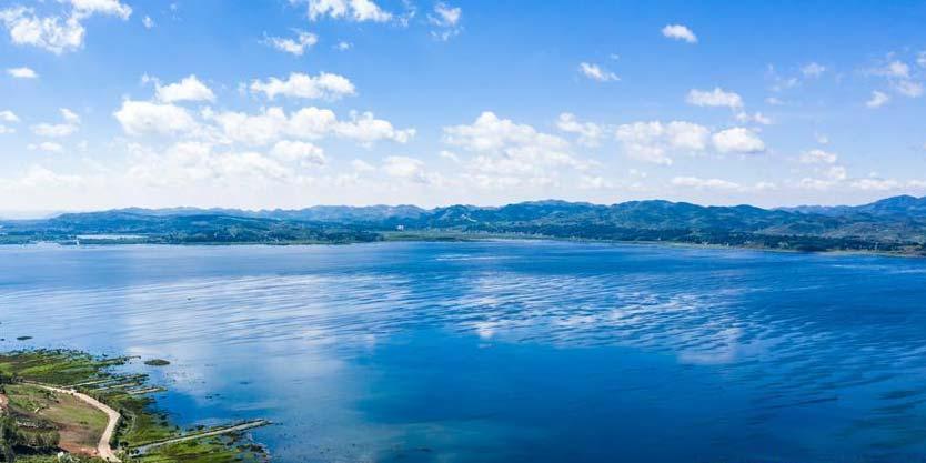 Lago Caohai em Guizhou recupera tamanho original