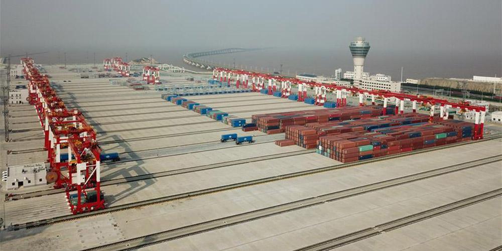 Automatização dos portos da China beneficia negócio de contêiner