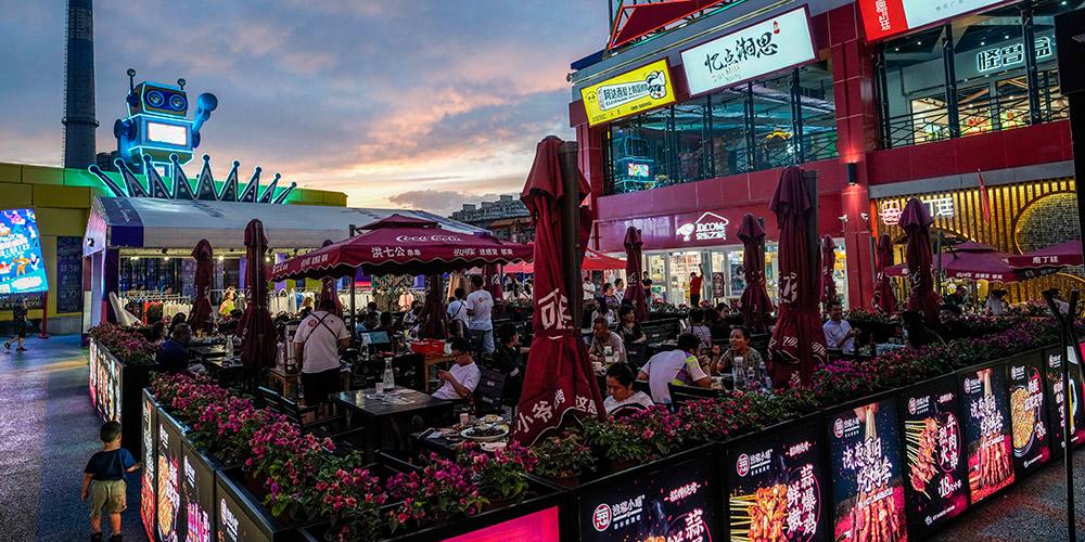 Economia noturna cresce em Urumqi, noroeste da China