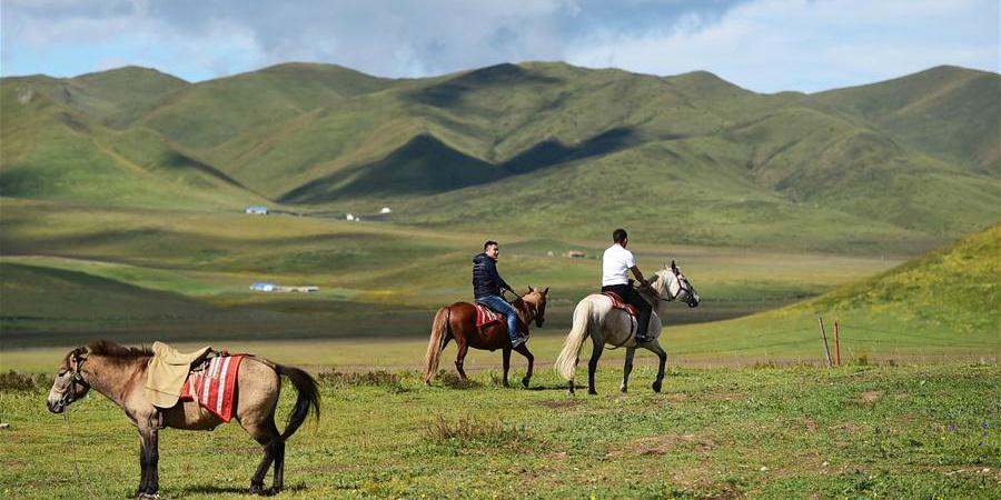 Aldeia de Gansu promove indústria cultural e do turismo