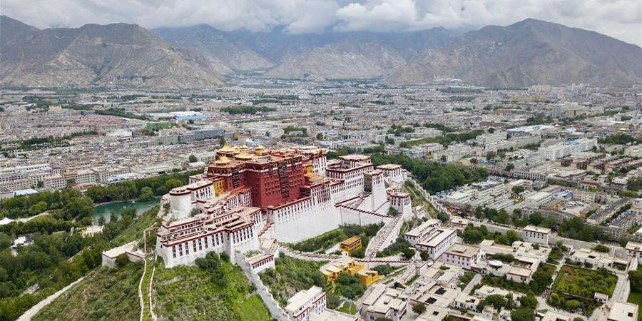 Fotos aéreas impressionantes exibem paisagens cativantes de Lhasa, sudoeste da China