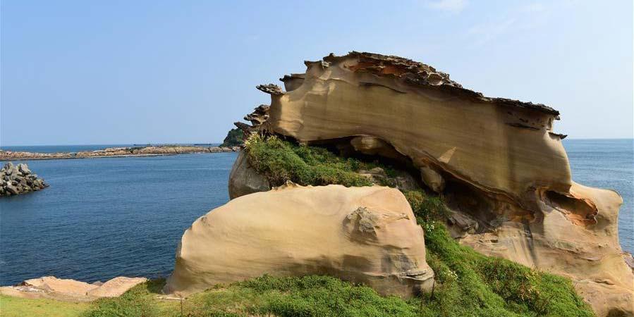 Paisagem de rochas perto do Geoparque Yehliu em Taiwan, sudeste da China