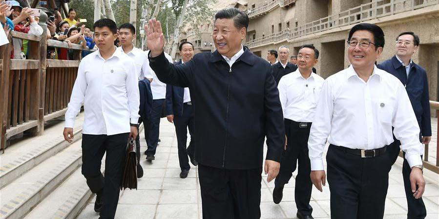 Xi visita patrimônio cultural em Gansu