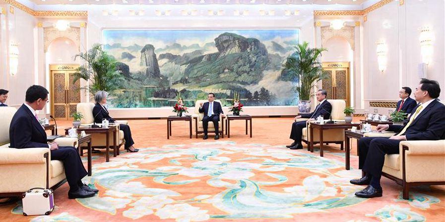 Premiê chinês Li pede fortalecimento da cooperação com República da Coreia e Japão