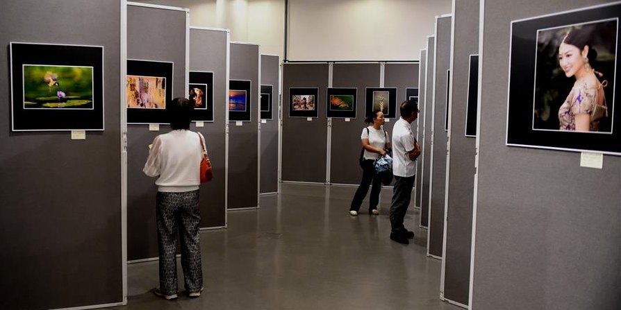 Exposição em comemoração ao 70º Aniversário da Fundação da RPC é realizada em Hong Kong