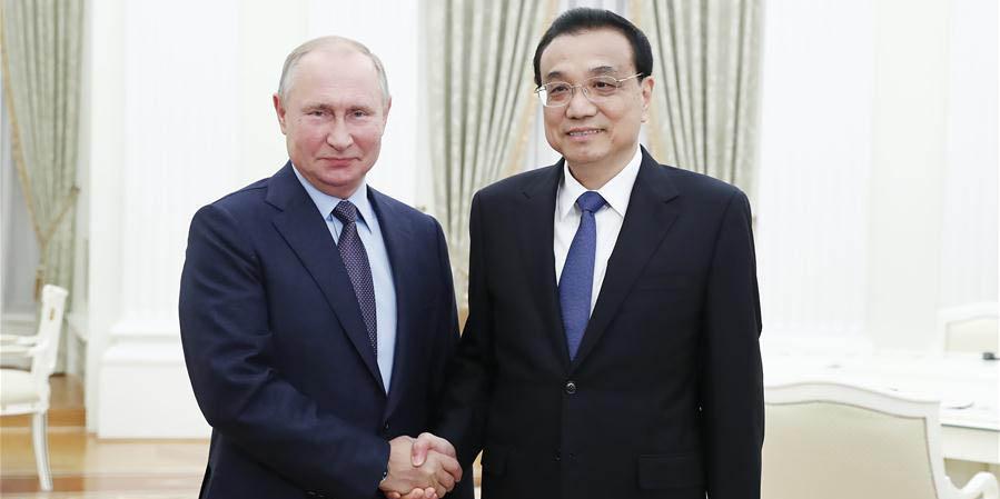 Primeiro-ministro chinês se reúne com Putin para discutir laços bilaterais