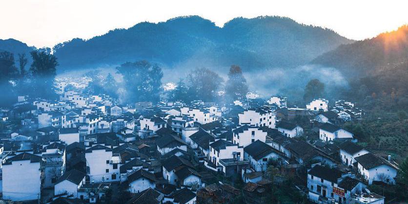 Belo cenário no distrito de Wuyuan em Jiangxi, leste da China