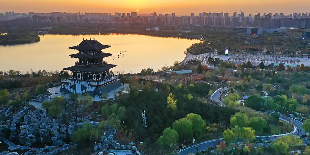 Bela paisagem do início do inverno no ponto turístico de Nanhu em Tangshan
