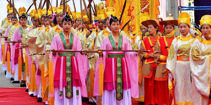 Ritual realizado em Bangcoc para prestar homenagem à deusa chinesa do mar Mazu