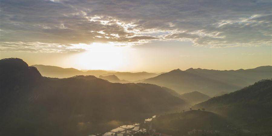 Paisagem da montanha Wuyishan em Fujian, sudeste da China