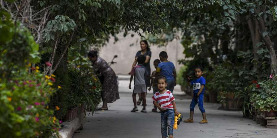 Medidas aplicadas para melhorar condições de vida dos habitantes locais em aldeias assoladas pela pobreza em Xinjiang na China