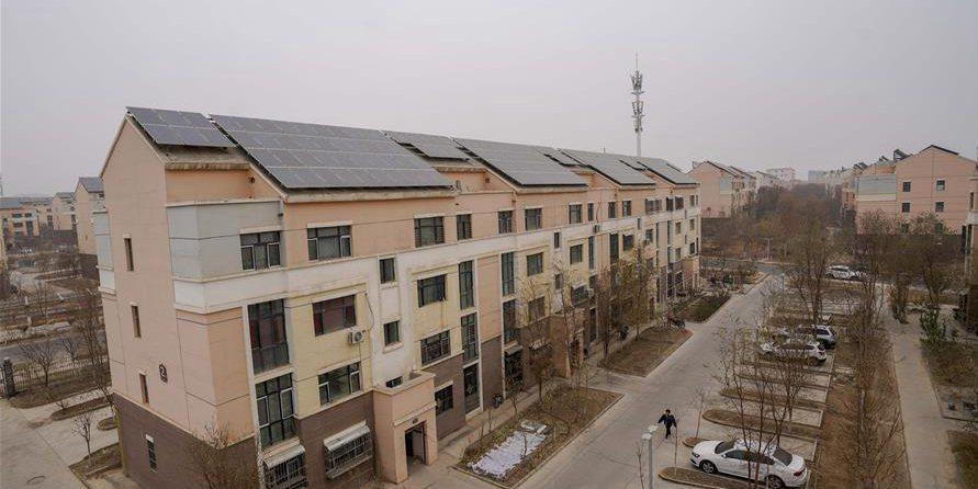 Projeto de micro-rede elétrica urbana beneficia a população local em Turpan, Xinjiang, noroeste da China