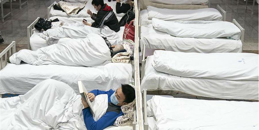 Hospitais provisórios começam a receber pacientes em Wuhan