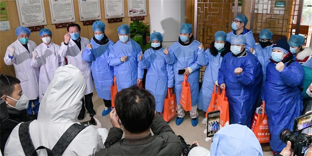 23 pacientes infectados pelo novo coronavírus recebem alta hospitalar em Hubei