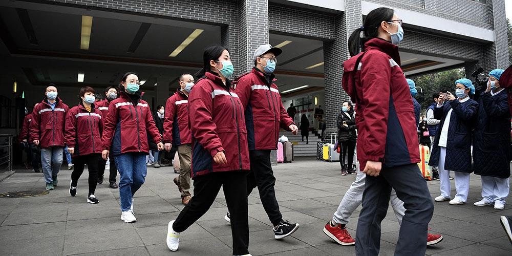 Mais equipes médicas chinesas são enviadas para ajudar no controle da epidemias em Hubei
