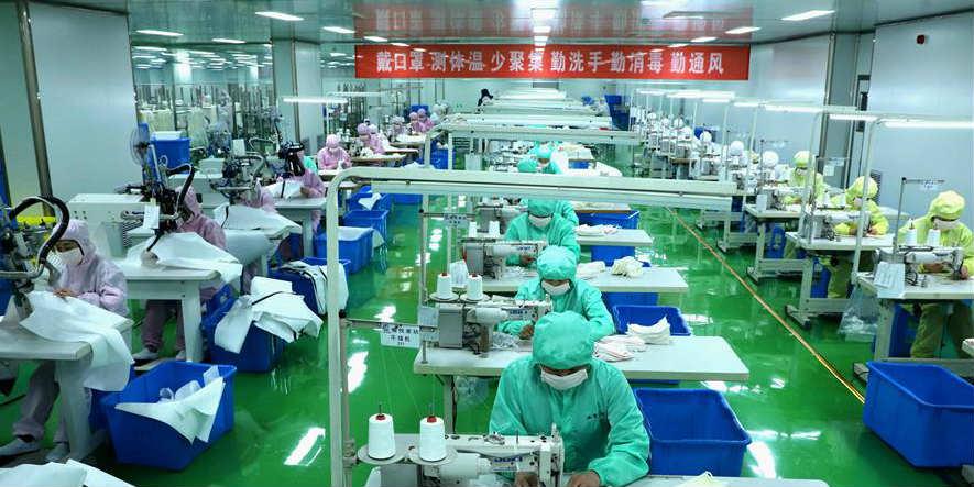 Produção de máscaras da China recupera com retomada do trabalho após Festa da Primavera