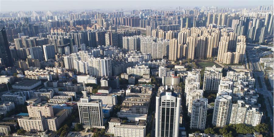 Fotos: dia ensolarado em Wuhan