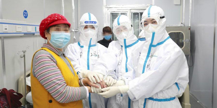 Hospital Leishenshan recebe 100 pacientes de COVID-19 no domingo