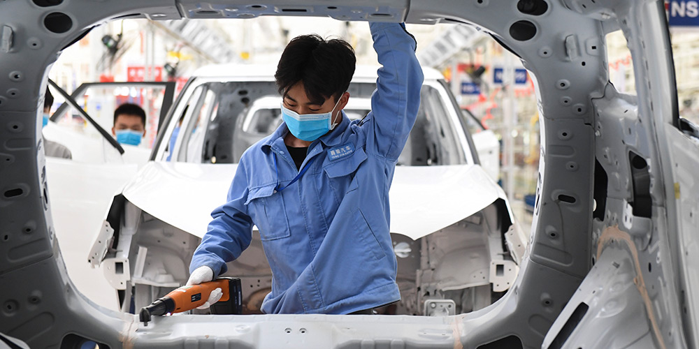 Empresas chinesas retomam produção de maneira ordenada em toda a China