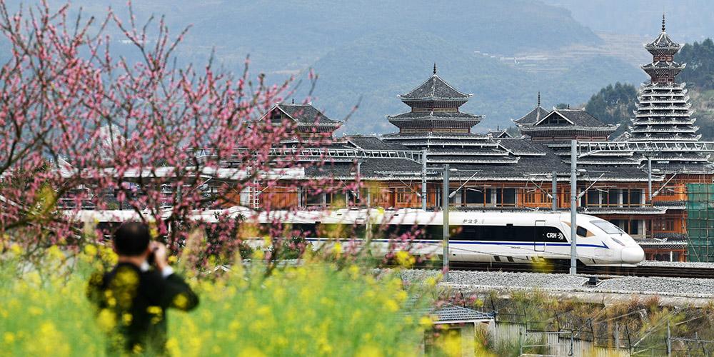 Fotos: Seção de Congjiang da ferrovia de alta velocidade Guiyang-Guangzhou na província de Guizhou