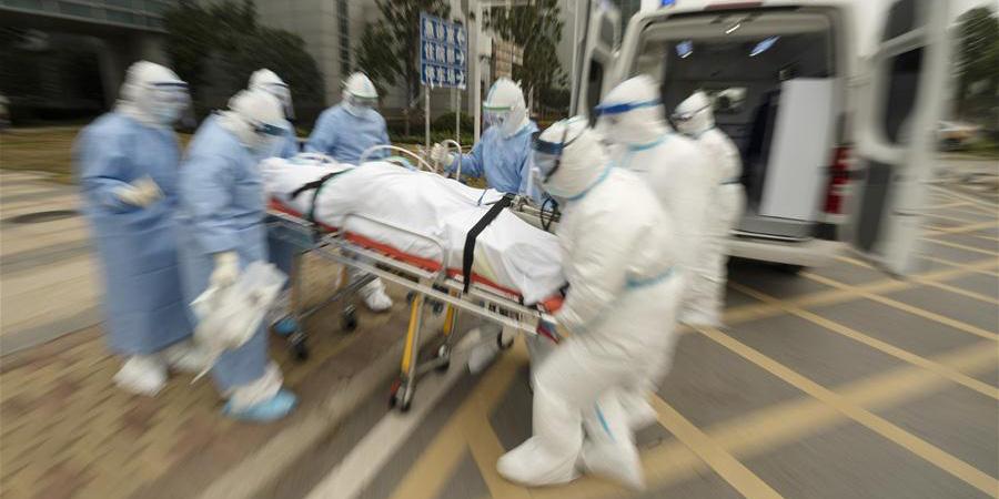 Funcionários médicos correm contra o tempo para combater a epidemia do novo coronavírus