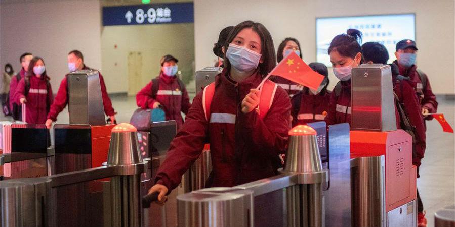 Profissionais médicos de Hunan voltam para casa após concluírem sua missão em Hubei