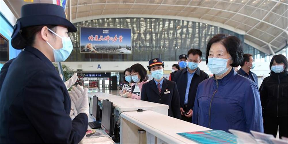 China exige incessantes esforços de contenção após suspensão do bloqueio de Wuhan