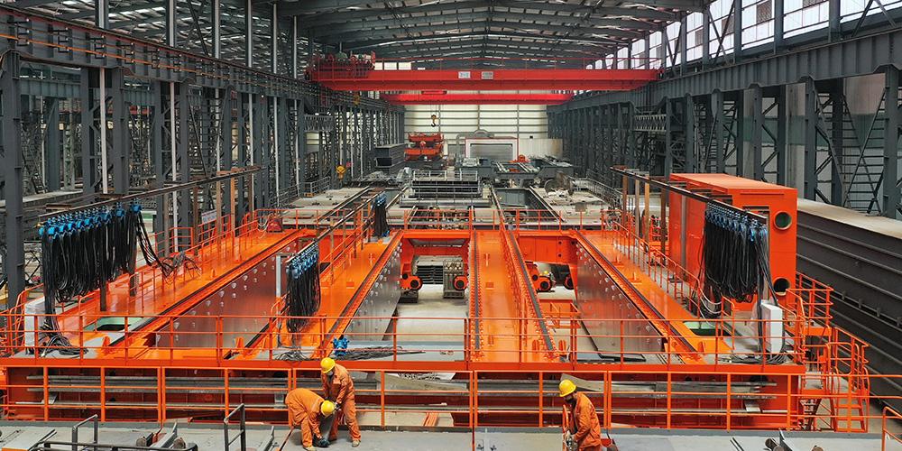 Fabricantes de equipamentos aumentam produção em Fengrun, província de Hebei