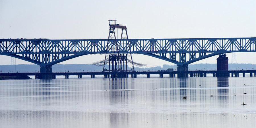 Construção de ponte sobre o rio Amarelo em Zhengzhou