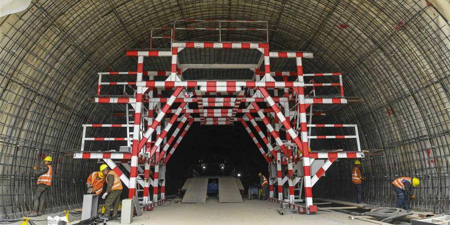 Fotos: Construção do Túnel Tianshan Shengli em Xinjiang