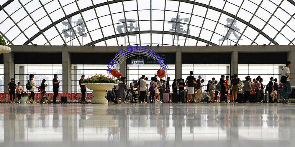 Ferrovias chinesas registram 157 milhões de viagens de passageiros em maio