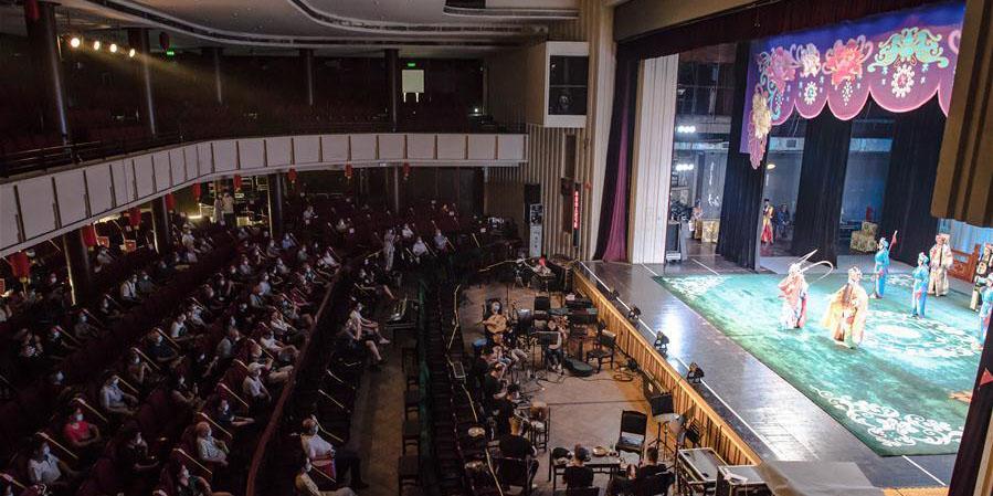 Sete teatros de Wuhan reabrem ao público na sexta-feira
