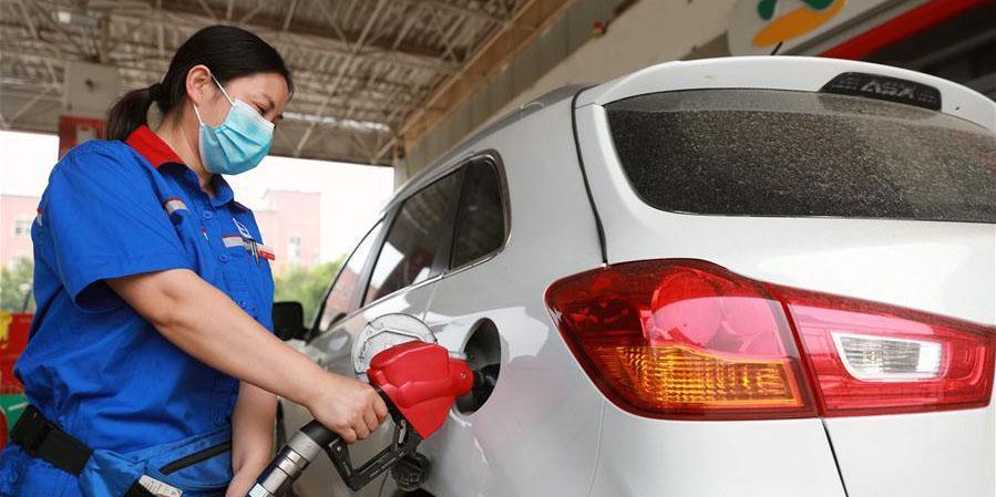 China eleva preços de gasolina e diesel no varejo