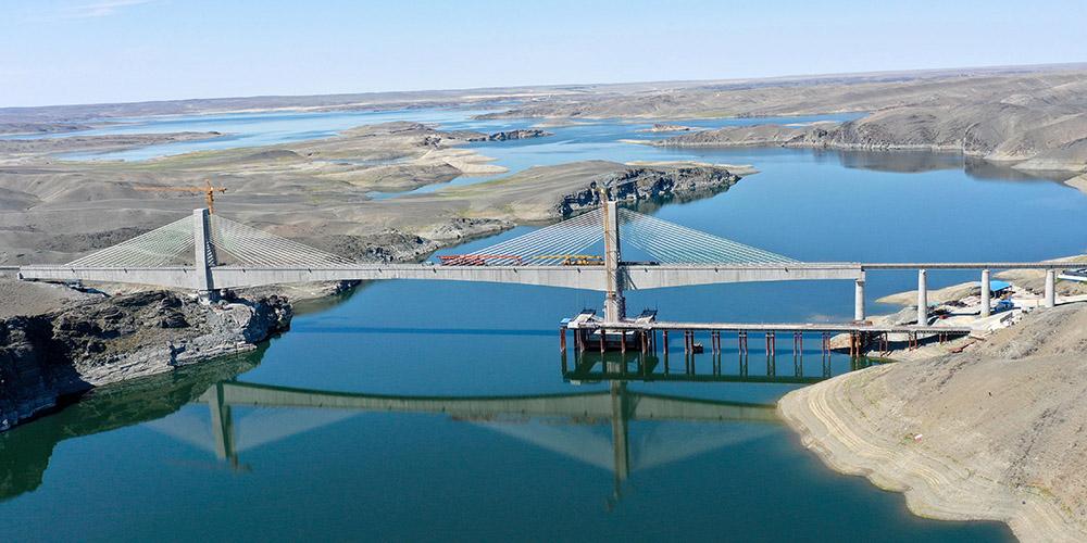 Concluído projeto de nova ferrovia em Xinjiang