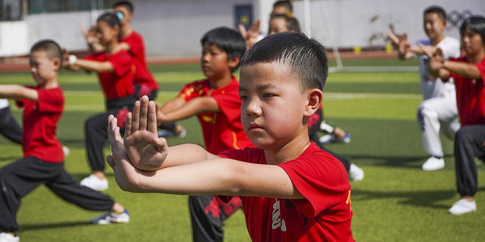 Atividades e cursos atraem crianças durante férias de verão