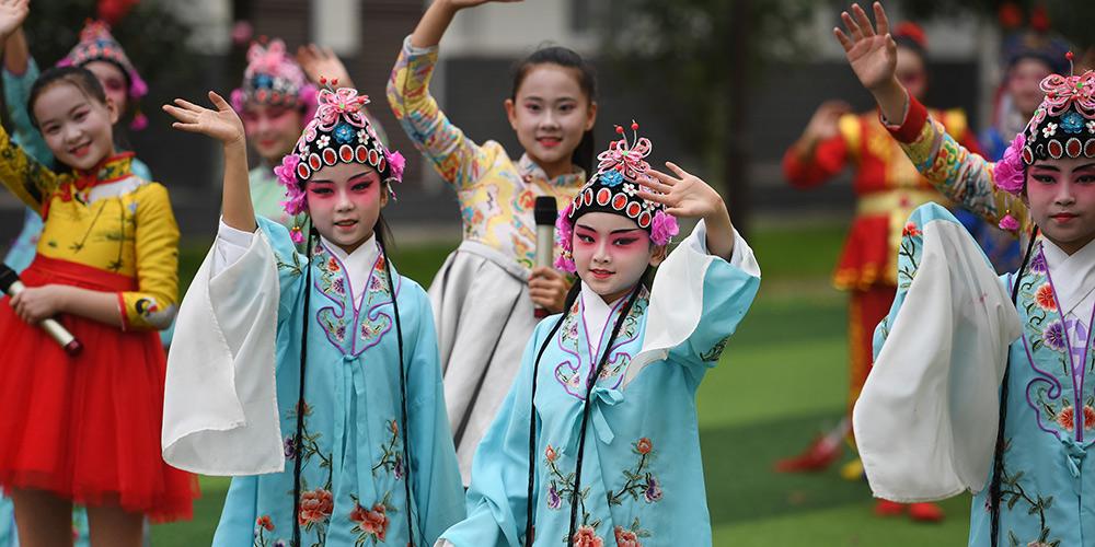 Escolas em Shaanxi realizam sessões de treinamento e exposições sobre heranças culturais intangíveis