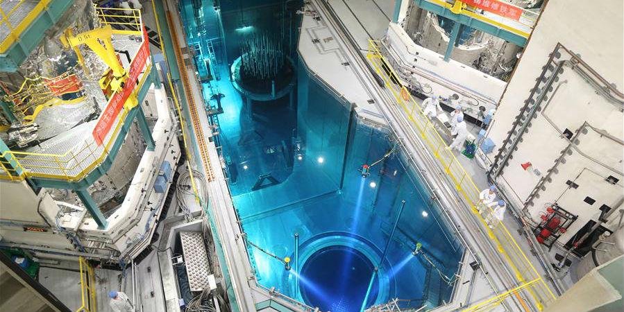 China coloca combustível na primeira unidade nuclear com reator nacional