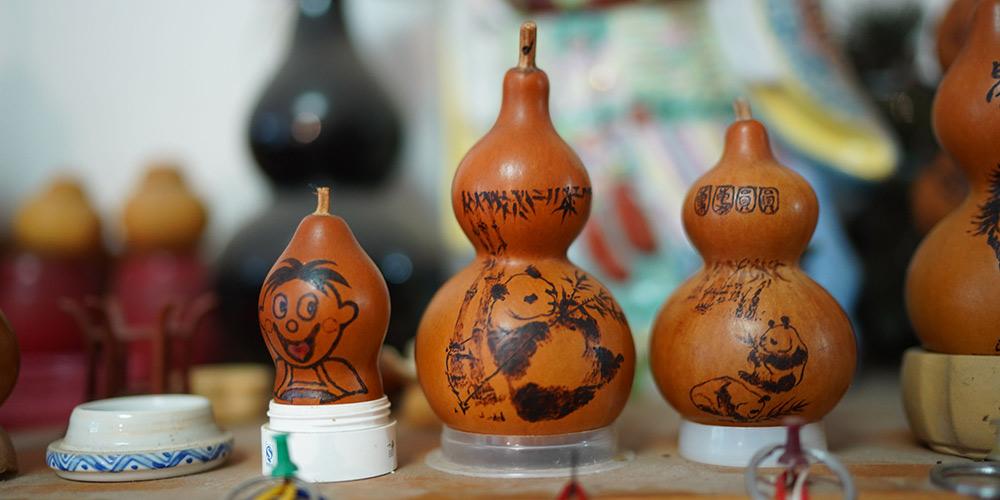 Fotos: artesão cria artesanatos de cabaça no leste da China