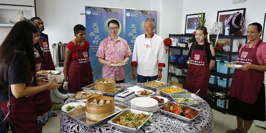 Festival da Lua é celebrado em Fiji com aula especial de culinária chinesa