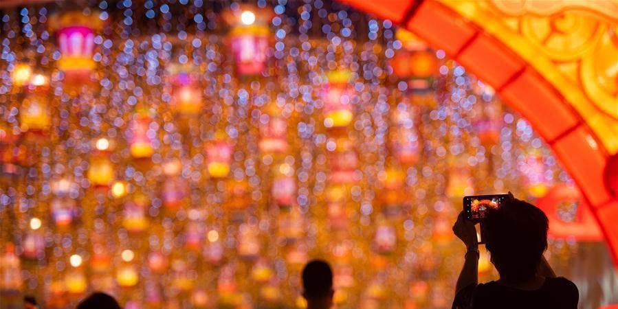 Macau recebe decorações para celebrar o próximo Festival da Lua