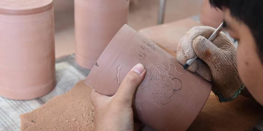 Cerâmica de Nixing recupera sua glória no local de nascimento