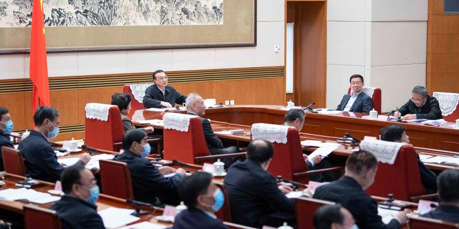 Premiê chinês destaca continuidade de políticas para estimular vitalidade e promover recuperação econômica