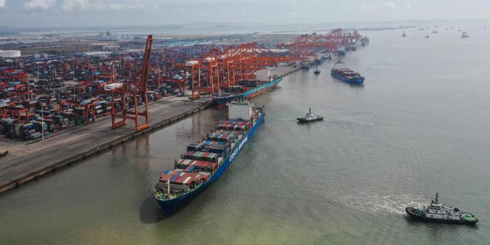 Porto de Qinzhou registra crescimento na movimentação de carga entre janeiro e outubro