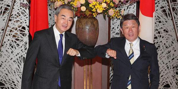China e Japão visam cooperação mais estreita em meio à pandemia da COVID-19