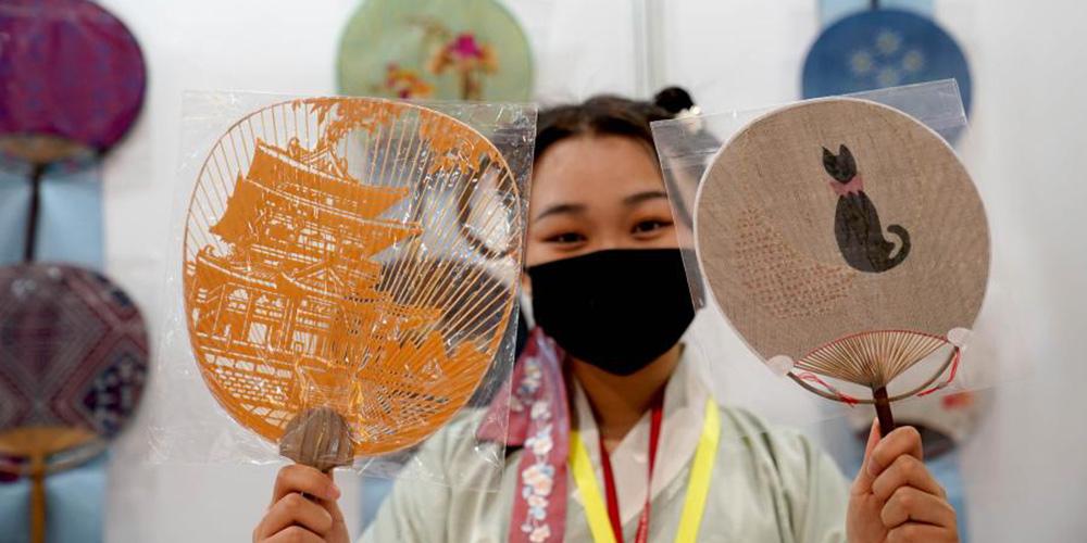 6ª Exposição Internacional de Trabalhos Manuais começa em Shanghai
