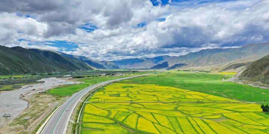 Rodovias rurais e rede viária de qualidade criadas no Tibet