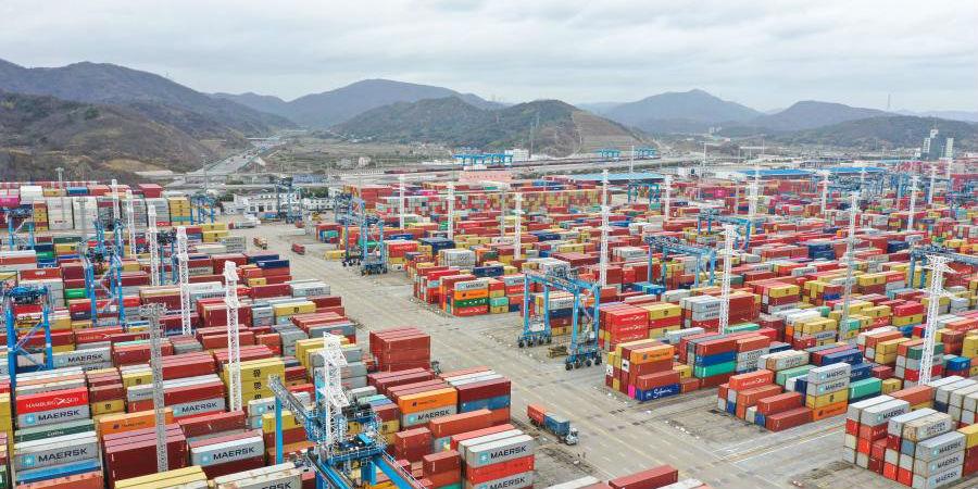 Porto de Ningbo Zhoushan movimenta 1,172 bilhão de toneladas de cargas em 2020