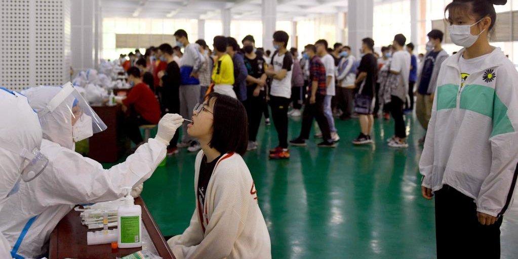 Cidade de Lu'an, em Anhui, realiza testes de ácido nucléico para todos os residentes nos principais distritos urbanos
